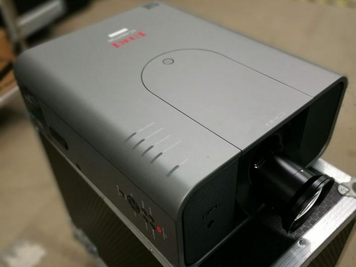 Eiki LC HDT 700